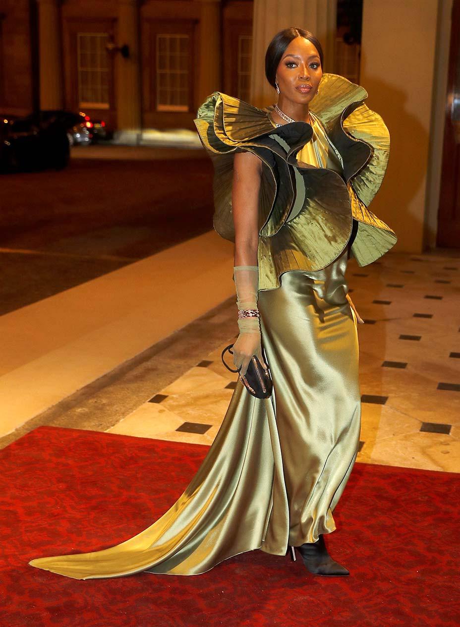 Naomi Campbell woont de receptie van de Commonwealth Fashion Exchange -Getty-Embed-2019 bij