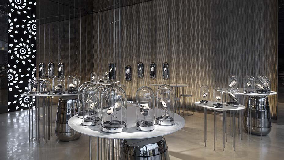 Ame's Futuristic L.A. Flagship Showcases Lab-Grown Diamonds - EMBED 1- 2019