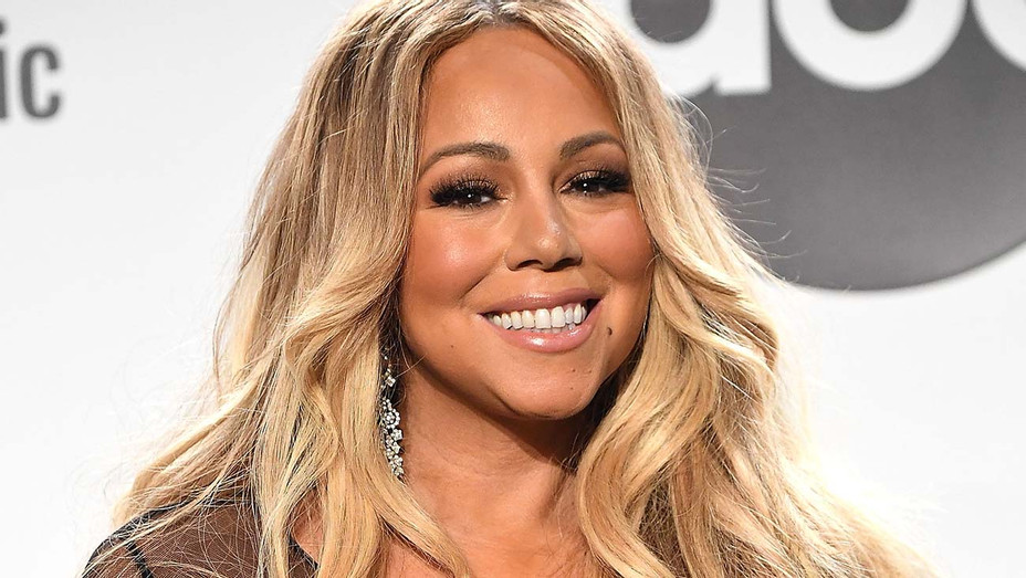 Mariah Carey poses at the 2018 American Music Awards - Getty-H 2019