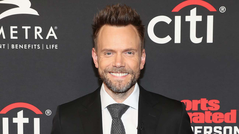 Joel McHale attends Sports Illustrated 2018 Sportsperson of the Year - Getty-H 2019