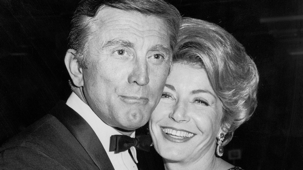 Anne Douglas Philanthropist and Widow of Kirk Douglas Dies at 102 – Hollywood Reporter