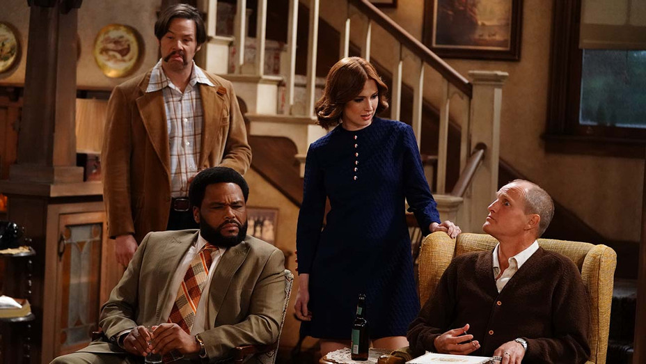 ALL IN THE FAMILY AND THE JEFFERSONS -IKE BARINHOLTZ, ANTHONY ANDERSON, ELLIE KEMPER, WOODY HARRELSON- Publicity-H 209