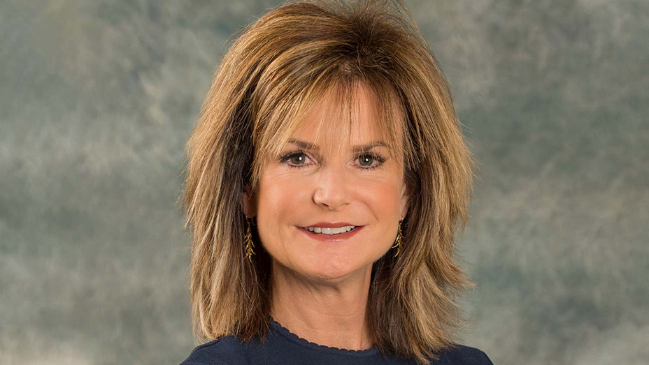 Gail MacKinnon-Publicity-H 2019
