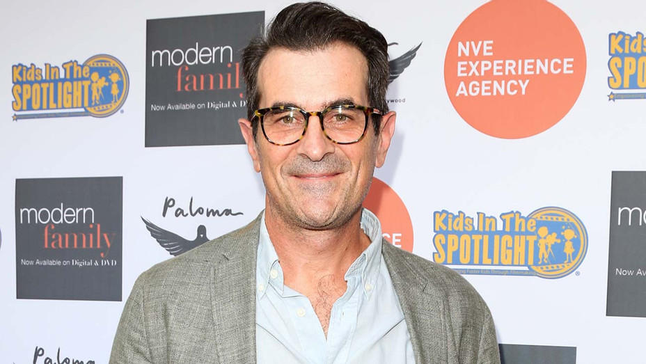Ty Burrell attends the Kids In The Spotlight Cocktails for a Cause - GEtty-H 2019