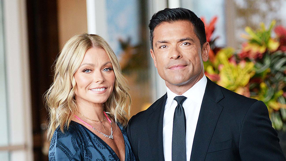 Kelly Ripa and Mark Consuelos arrive at the Los Angeles LGBT Center's 49th Anniversary Gala  - Getty-H 2019