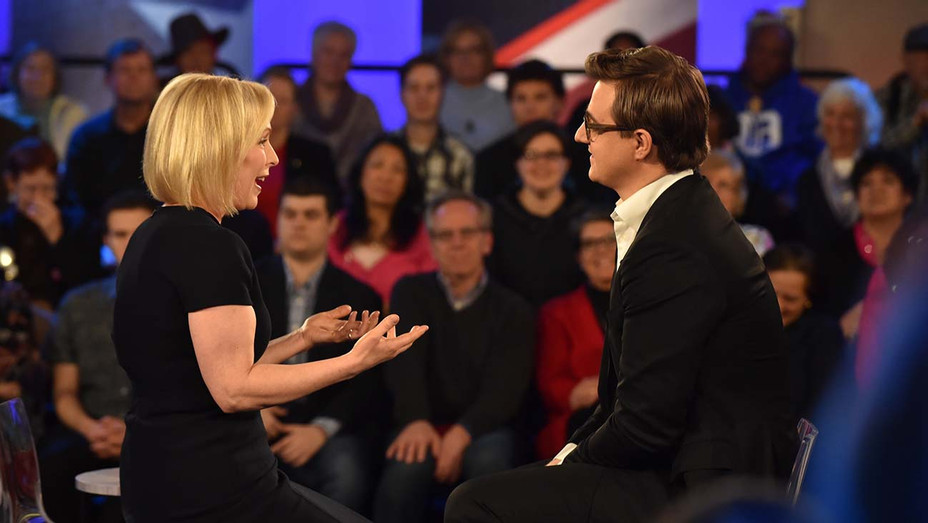 Kirsten Gillibrand and Chris Hayes at MSNBC town hall - Publicity - H 2019