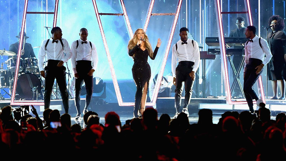 Mariah Carey performs onstage during the 2019 Billboard Music Awards - Getty - H 2019