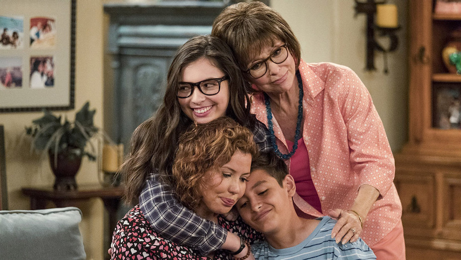 "'One Day at a Time' Creator Gloria Calderon Kellet Talks Representation On TV, Doing ""Justice to the Latinx Family""  