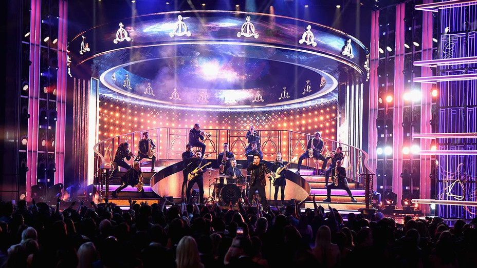 Panic at the Disco BBMAs 2 - Getty - H 2019