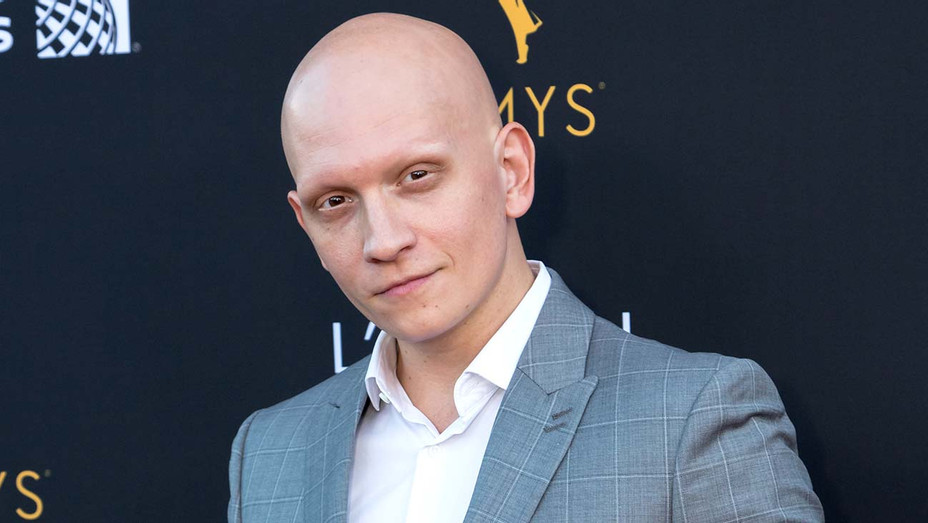 Actor Anthony Carrigan-3-Getty-H 2019