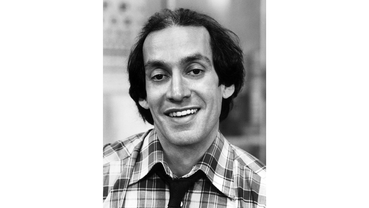 Gregory Sierra Dead: 'Barney Miller,' 'Sanford and Son' Actor Was 83