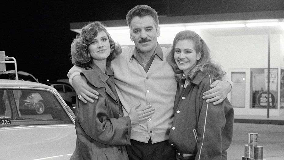 ONE TIME USE ONLY-CRIME STORY -The Survivor- Episode 19 -Aired 2/13/1987 -Hanna Cox as Lisa Altman, Dennis Farina as Lt. Mike Torello, Julia Roberts as Tracy -Getty-H 2019