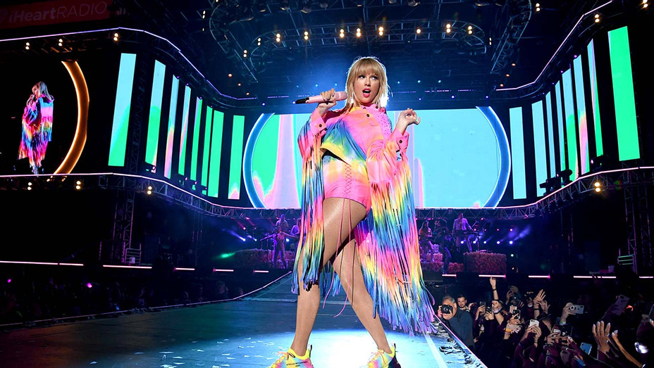 Taylor Swift performs onstage at 2019 iHeartRadio Wango Tango-Getty-H 2019