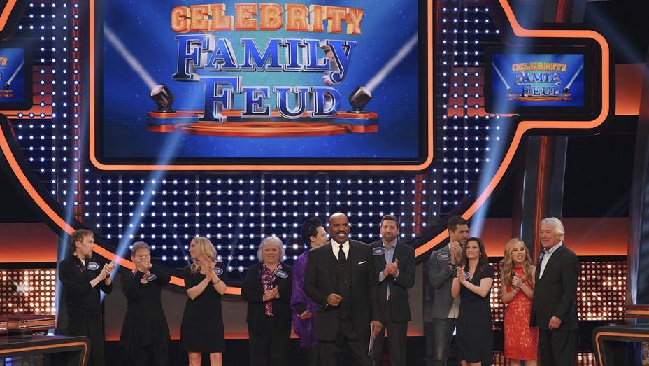 CELEBRITY FAMILY FEUD -507- KAPOSTASY, LORI CALLAHAN, TARA KRISTIN LIPINSKI, JACK LIPINSKI - Publicity-H 2019