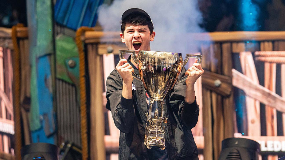 "Kyle ""Bugha"" Giersdorf celebrates winning Fortnite World Cup - Getty-H 2019"