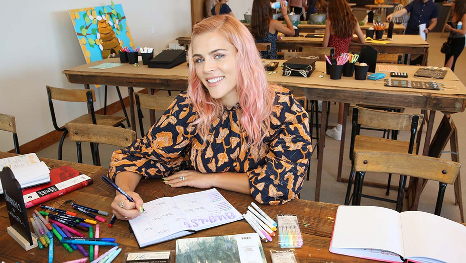 Busy Philipps Crafternoon - Getty - H 2019