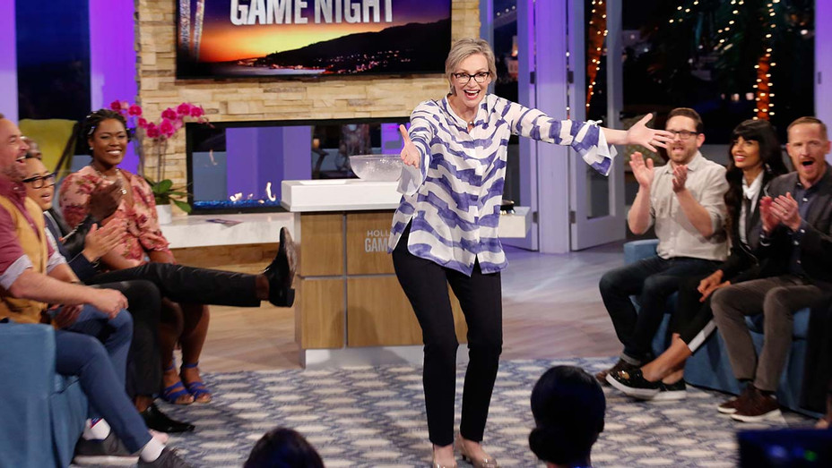 HOLLYWOOD GAME NIGHT - American Good Place Warrior - Episode 611 -Jane Lynch-Publicity-h 2019