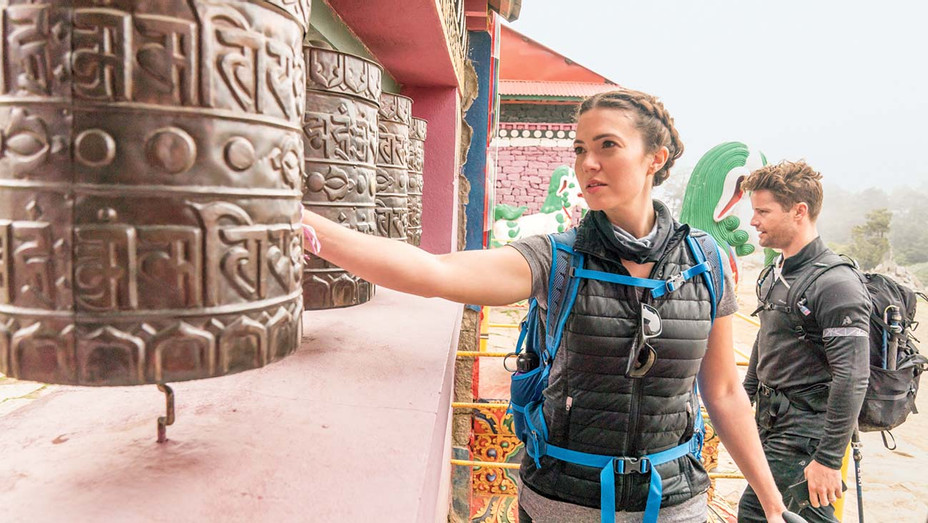 Mandy Moore Shares Mount Everest Experience - Julian Apse - H 2019