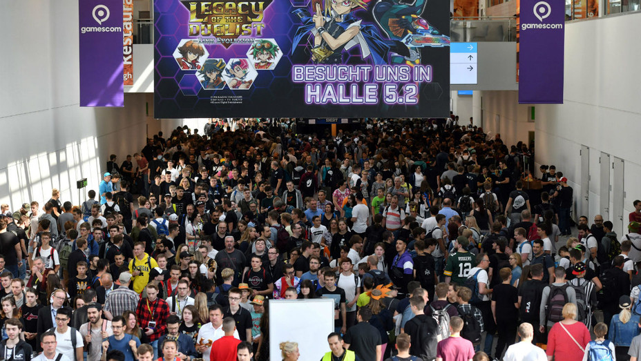 Gamescom Crowds