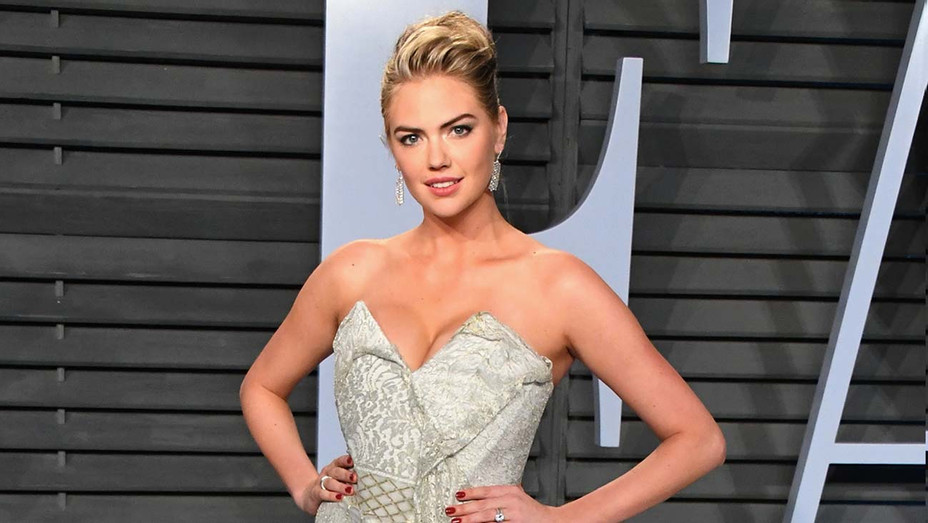 Kate Upton attends the 2018 Vanity Fair Oscar Party-Getty_H 2019
