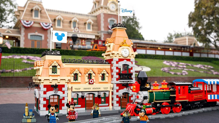 Lego Disney train and station-Publicity-H 2019