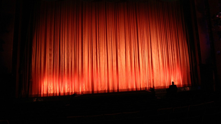 Movie Theater Curtains - H - 2019