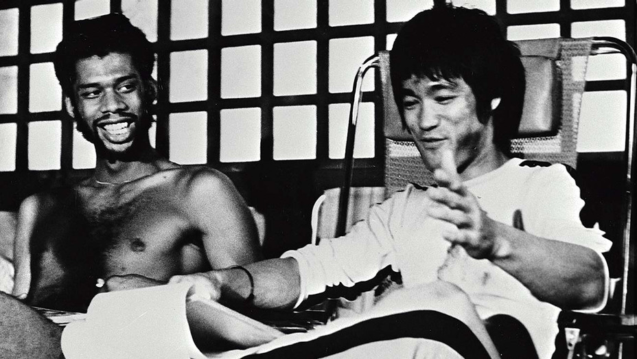 ONE TIME USE ONLY - Game of Death (1978) - Kareem Abdul-Jabbar -Bruce Lee -Alamy Stock Photo- H 2019