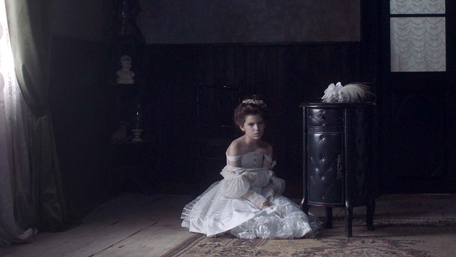 WHITE ON WHITE Still 1 - El Gouna Film Festival - Publicity - H 2019