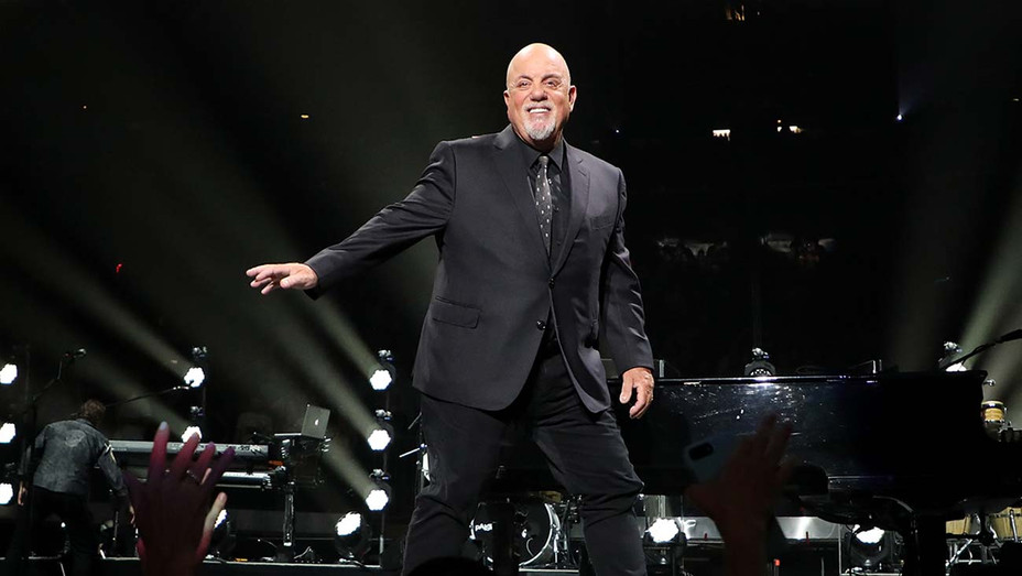Billy Joel performs at Madison Square Garden - Getty - H 2019