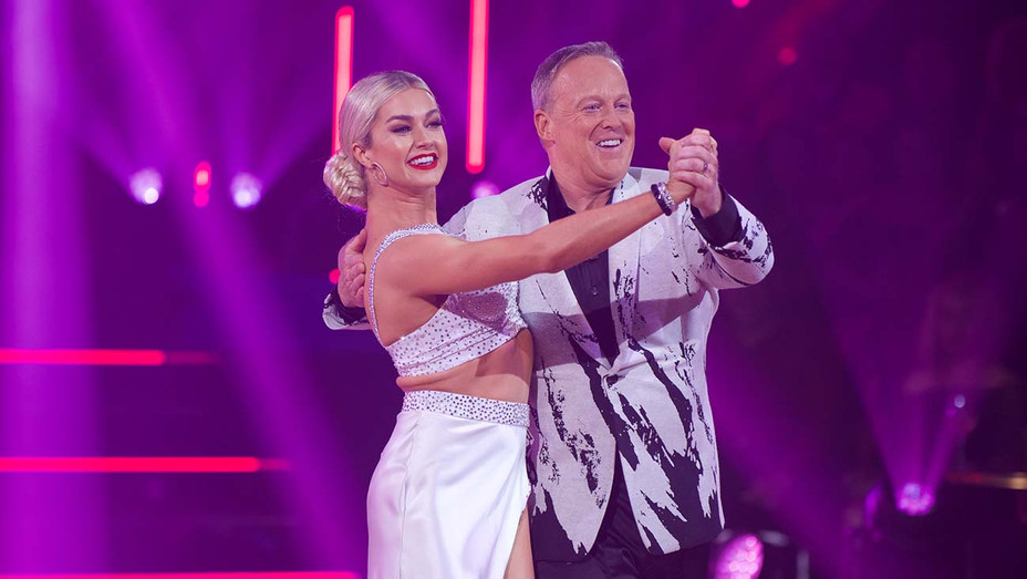 DANCING WITH THE STARS LINDSAY ARNOLD, SEAN SPICER - Publicity - H 2019