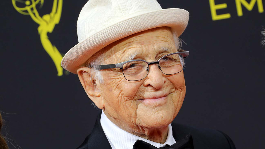 Norman Lear attends the 2019 Creative Arts Emmy Awards - Getty-H 2019