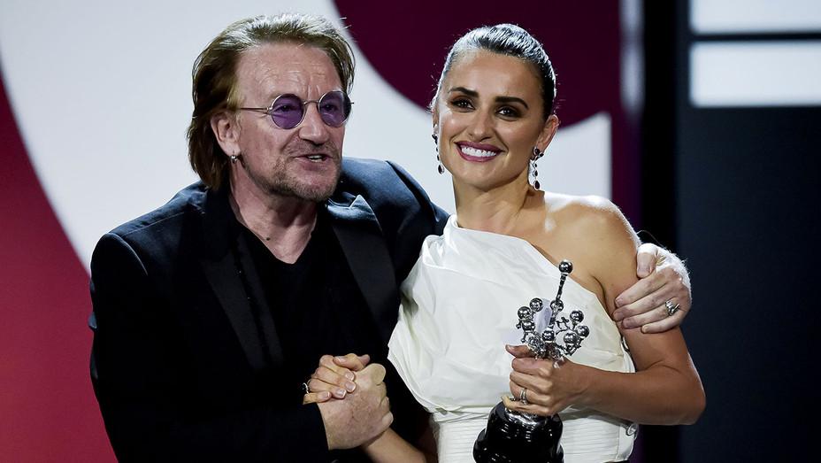 Bono, Penelope Cruz - H Getty - 2019