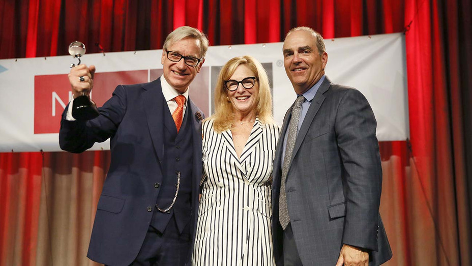 """Paul Feig is honored with NATO's """"Spirit of the Industry"""" award - Publicity - H 2019"""