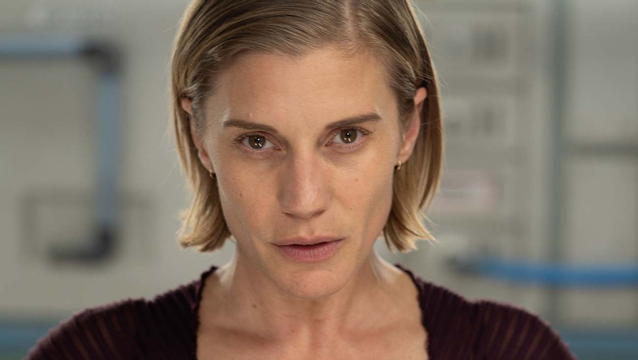 """Katee Sackhoff in """"Another Life"""" on Netflix - Publicity-H 2019"""