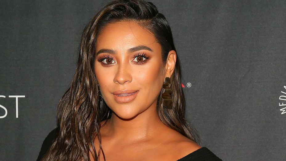 "Shay Mitchell of '""Dollface"" attends The Paley Center for Media's 2019 PaleyFest Fall TV Previews - Getty-H 2019"