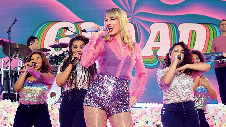 """Taylor Swift performs on ABC's """"Good Morning America"""" at SummerStage - Getty-H 2019"""