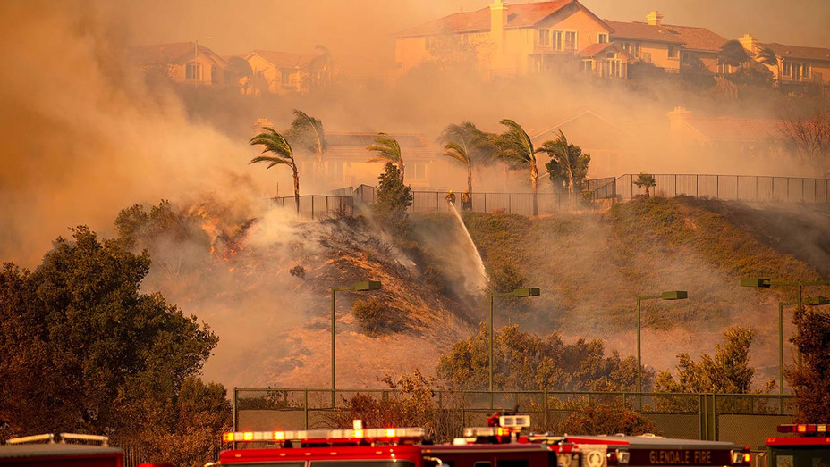 Wind and Fire - Saddleridge Fire in the Porter Ranch section of Los Angeles, California on October 11, 2019 - Getty-H 2019