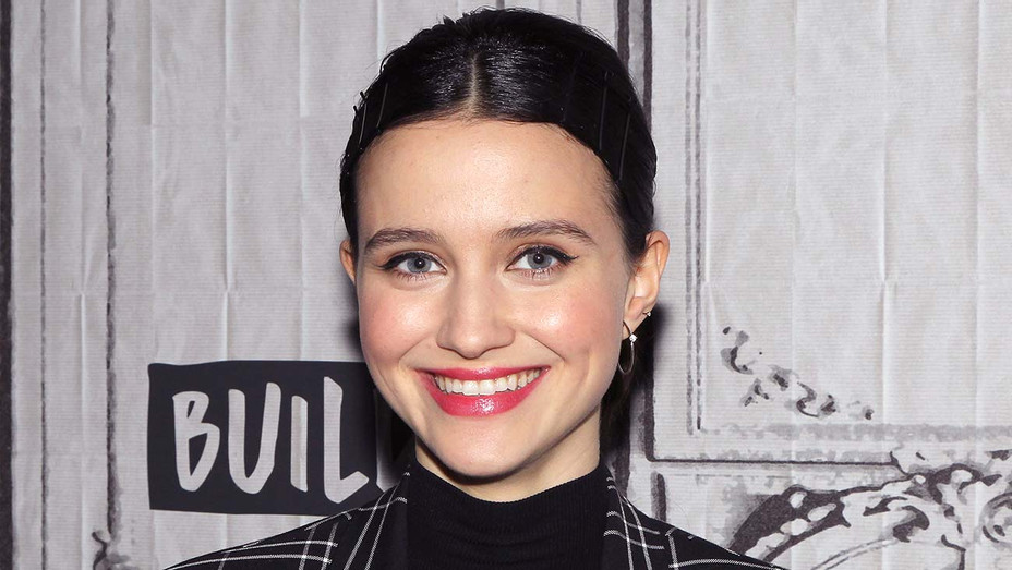 Julia Goldani Telles - Getty - H 2019