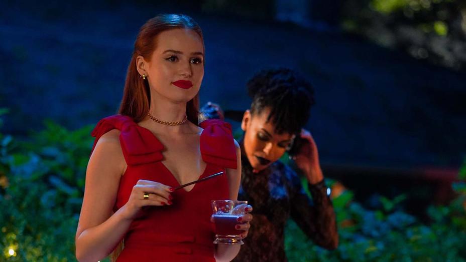 Riverdale S04E02 Still Madelaine Petsch - Publicity - H 2019