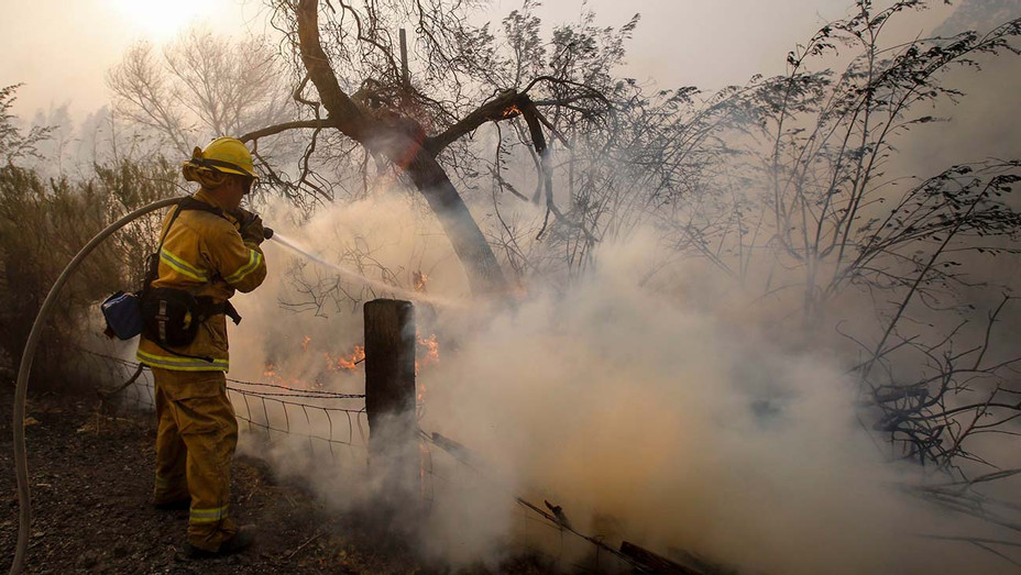 ONE TIME USE ONLY - California Wildfires Simi Valley, USA - 30 Oct 2019- evacuation of the Ronald Reagan Presidential Library and homes - H 2019