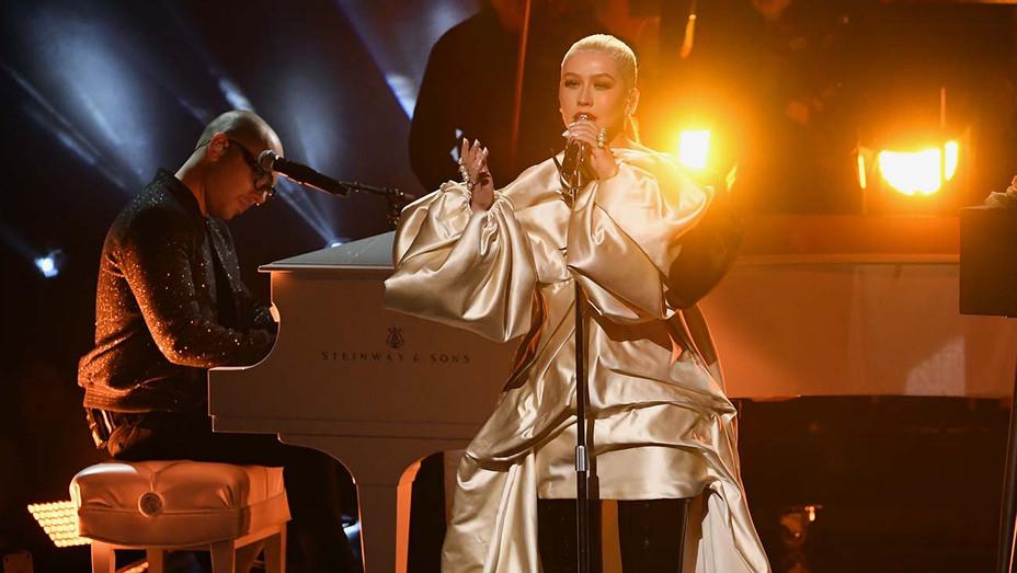 American Music Awards Christina Aguilera Performance - Getty - H 2019