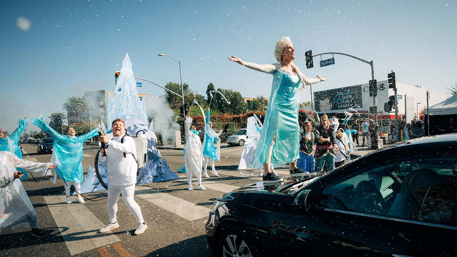 James Corden and the cast of Frozen 2 doing Crosswalk the Musical on The Late Late Show - Publicity Still - H 2019