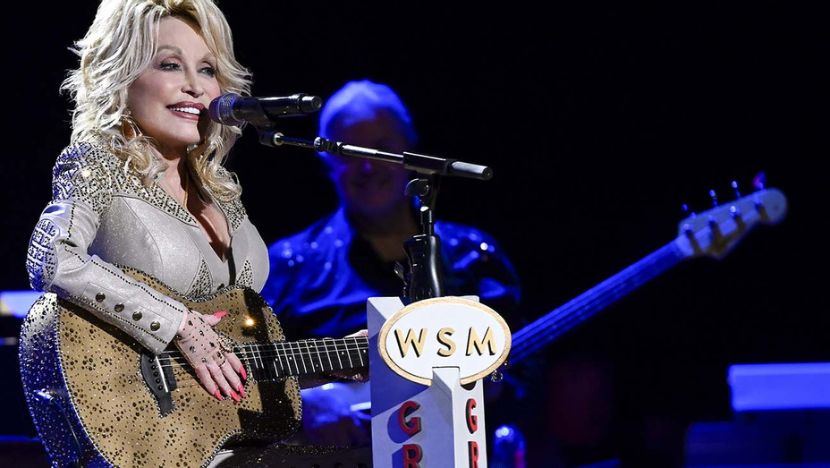 DOLLY PARTON: 50 YEARS AT THE OPRY - Publicity - H 2019