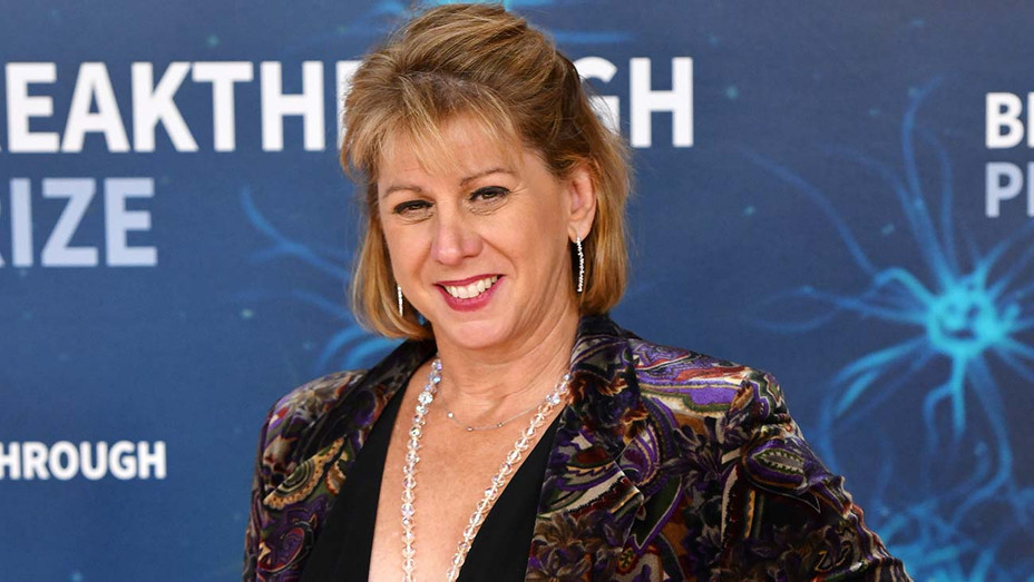 Sharon Waxman attends the 2020 Breakthrough Prize Red Carpet at NASA Ames Research Center - Getty-H 2019