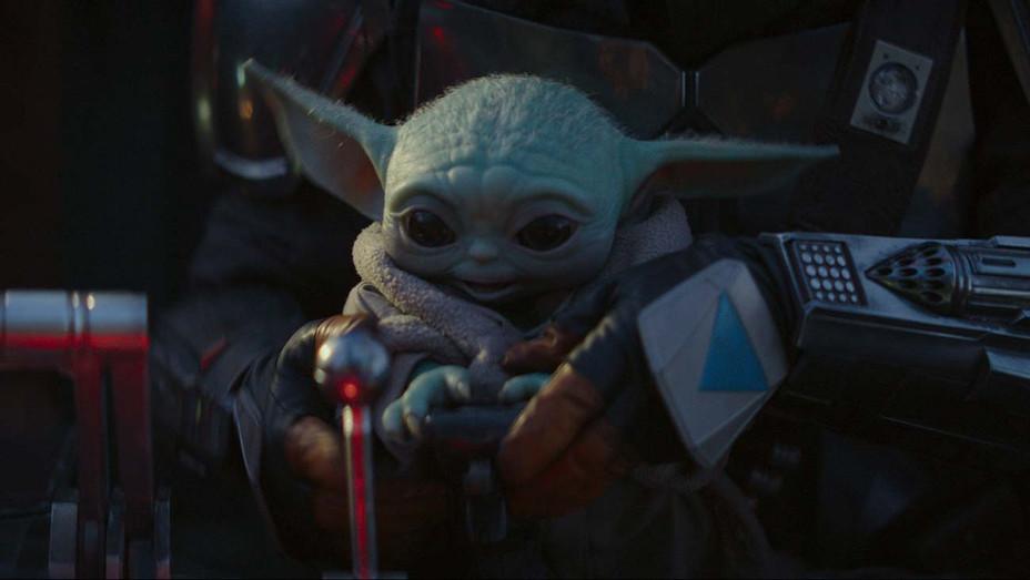 Mandalorian - The Child Yoda 3- Disney+ - Publicity - H 2019
