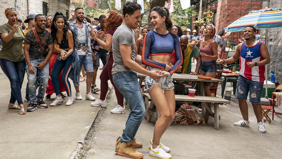 IN THE HEIGHTS Still 2- ANTHONY RAMOS as Usnavi and MELISSA BARRERA as Vanessa -  Warner Bros. Pictures release - Publicity-H 2019