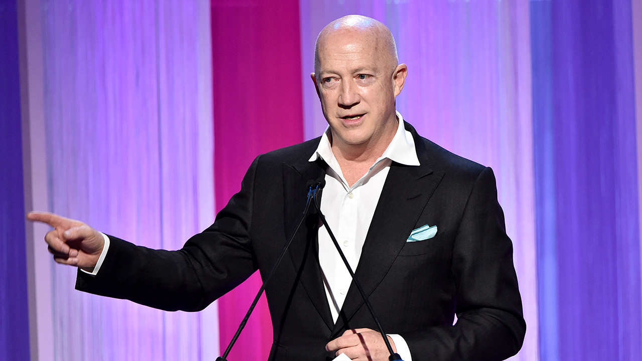Bryan Lourd Presents Carrie Fisher Scholarship | Women in Entertainment 2019