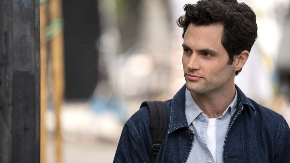 YOU Season 2 - Penn Badgley - Publicity Still - H 2019