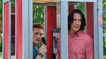 Keanu Reeves and Alex Winter Talk Bonding Over Motorcycles, Finding 'Bill and Ted' Themed Groceries Early in the Morning