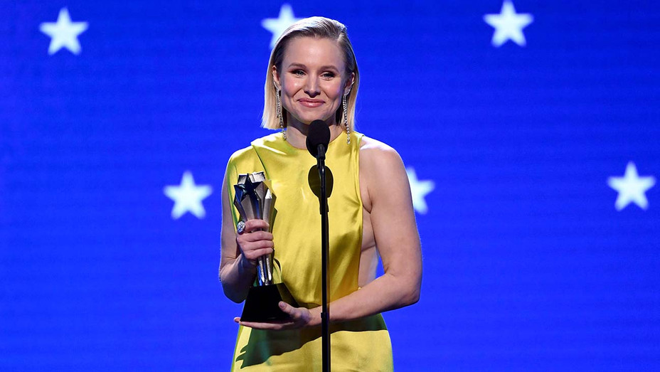 Kristen Bell accepts the #SeeHer Award onstage during the 25th Annual Critics' Choice Awards - Getty -H 2020